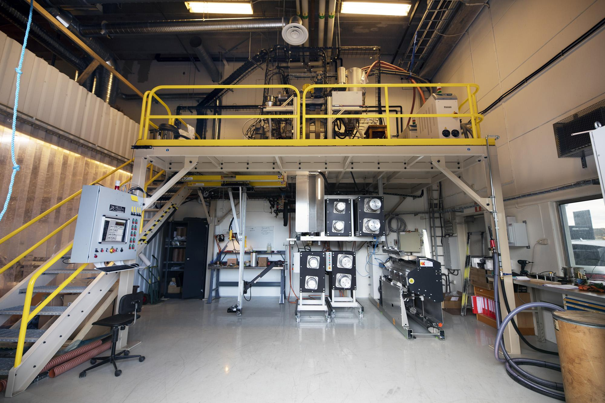 The pilot scale multi-component melt spinning equipment at RISE