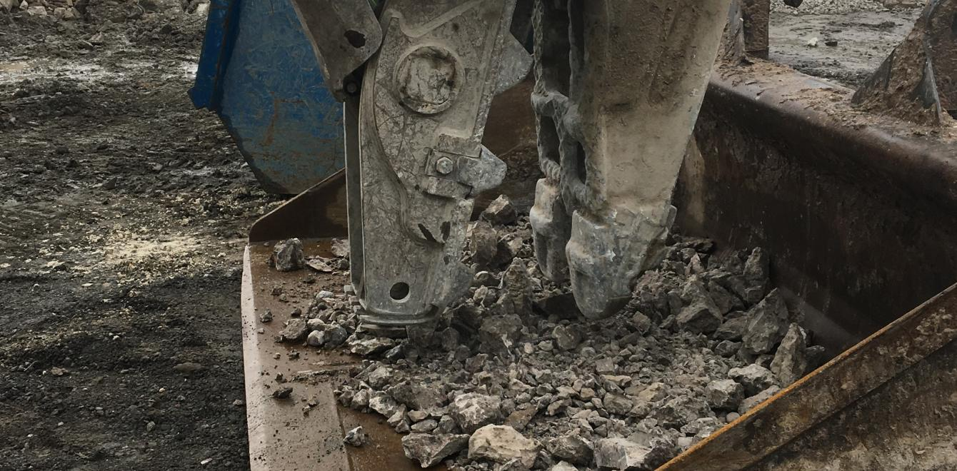 Initial concrete crushing